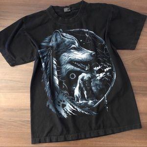 Vintage Wolf Graphic T-Shirt 🐺